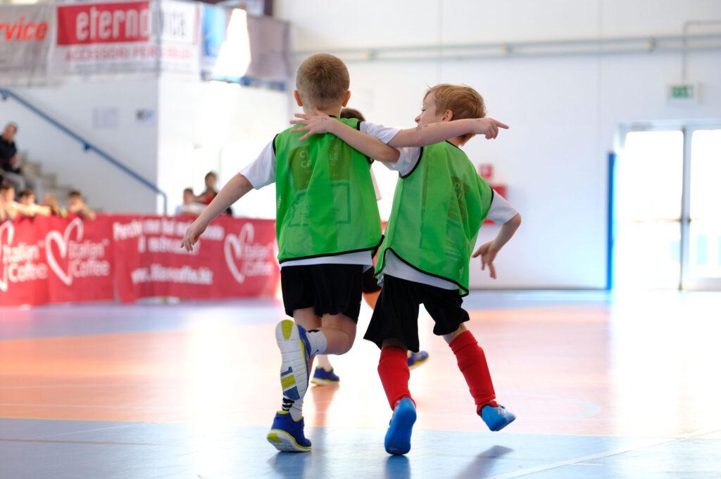 Calcio Per Bambini A Padova : Scuola calcio a 5 petrarca alla mandria impianti cà rasi